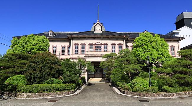 岡山県立津山中学校・高等学校